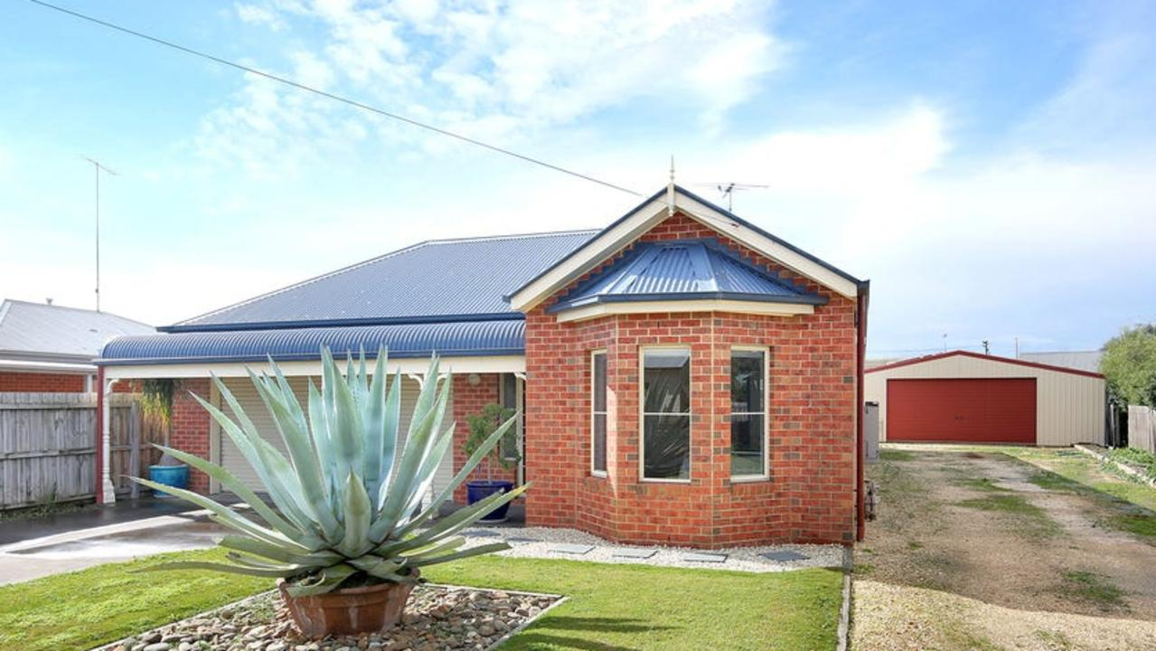29 Barnfather St, Thomson attracted 11 bidders at Saturday's auction.