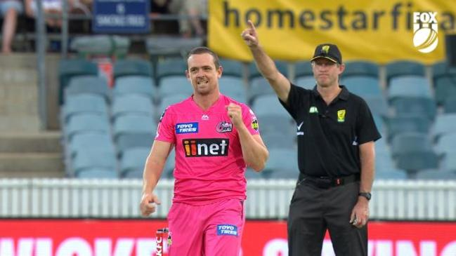 SOK claims his career best Big Bash bowling figures