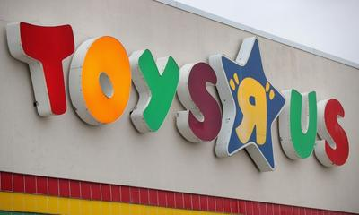Toys R Us is offering free shipping for grandparents