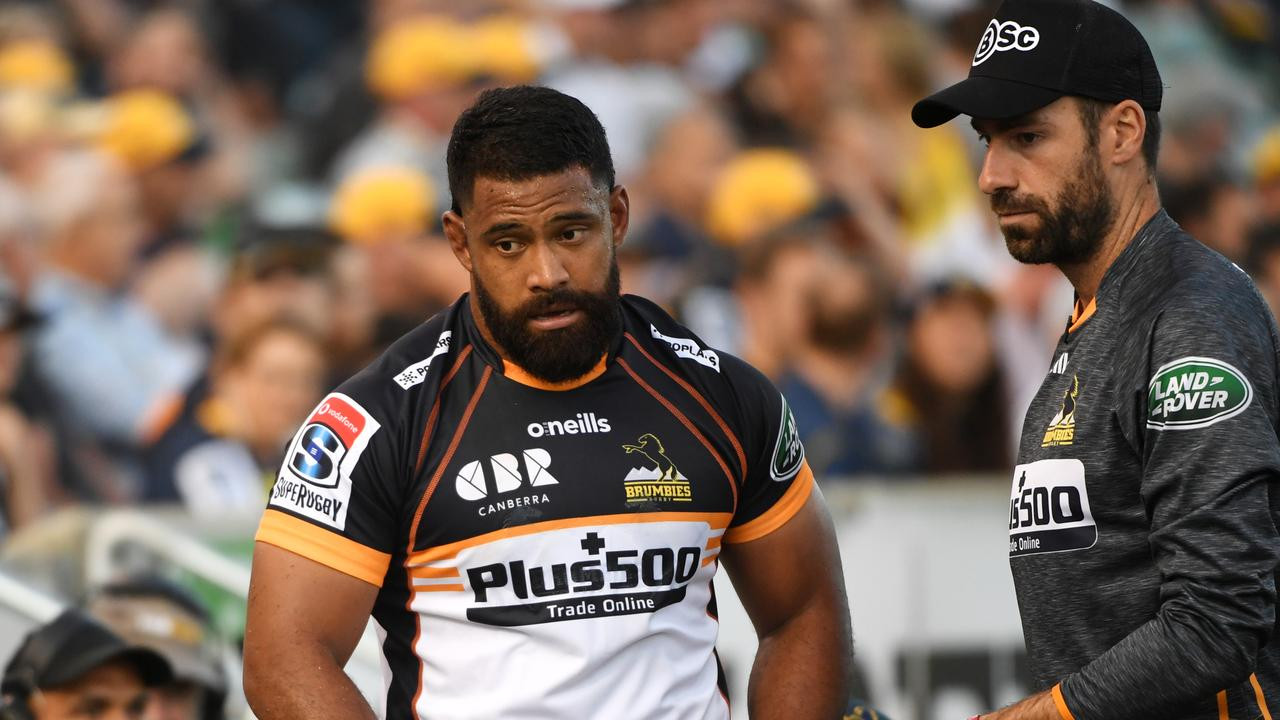 Scott Sio of the Brumbies comes off injured.