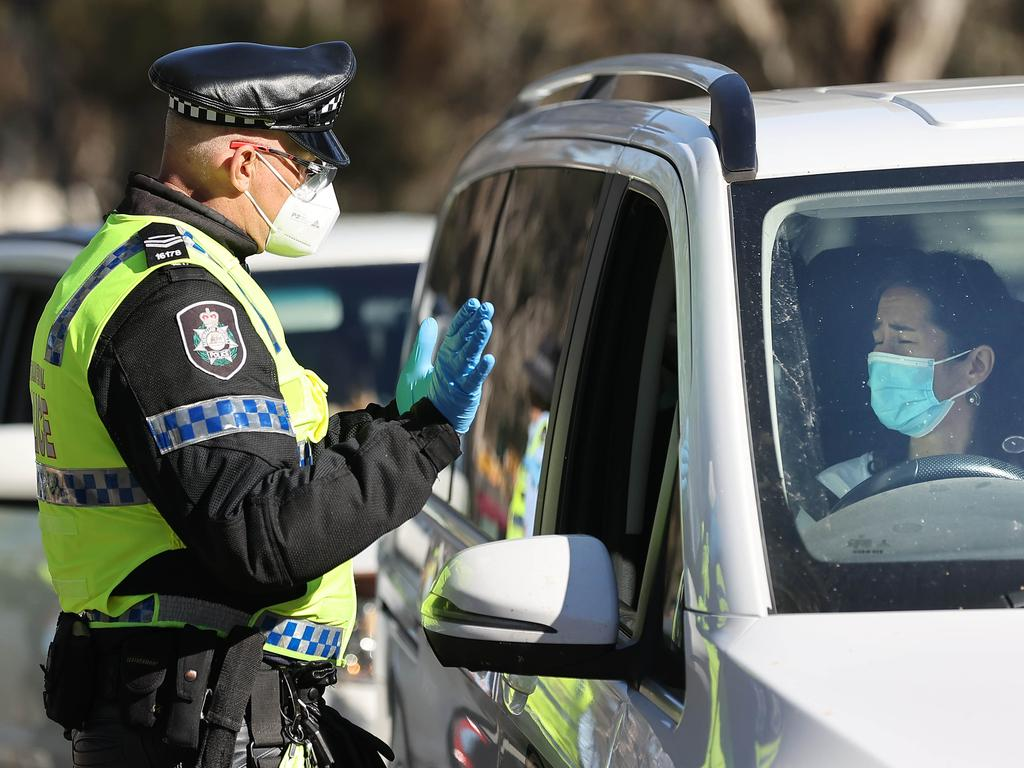 CANBERRA, AUSTRALIA NewsWire Photos - SEPTEMBER 17, 2021:  General coverage of Covid-19 related activity as Canberra's lockdown continues. The AFP conducted a random COVID-19 check at  the ACT/NSW border, as the border closers continue in the ACT. Picture: Newswire/Gary Ramage