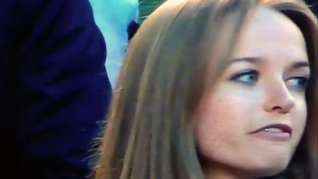 Kim Sears appears to swear during match