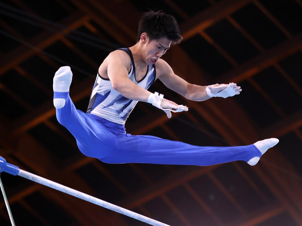 Hashimoto competes on horizontal bar. Picture: Laurence Griffiths/Getty Images