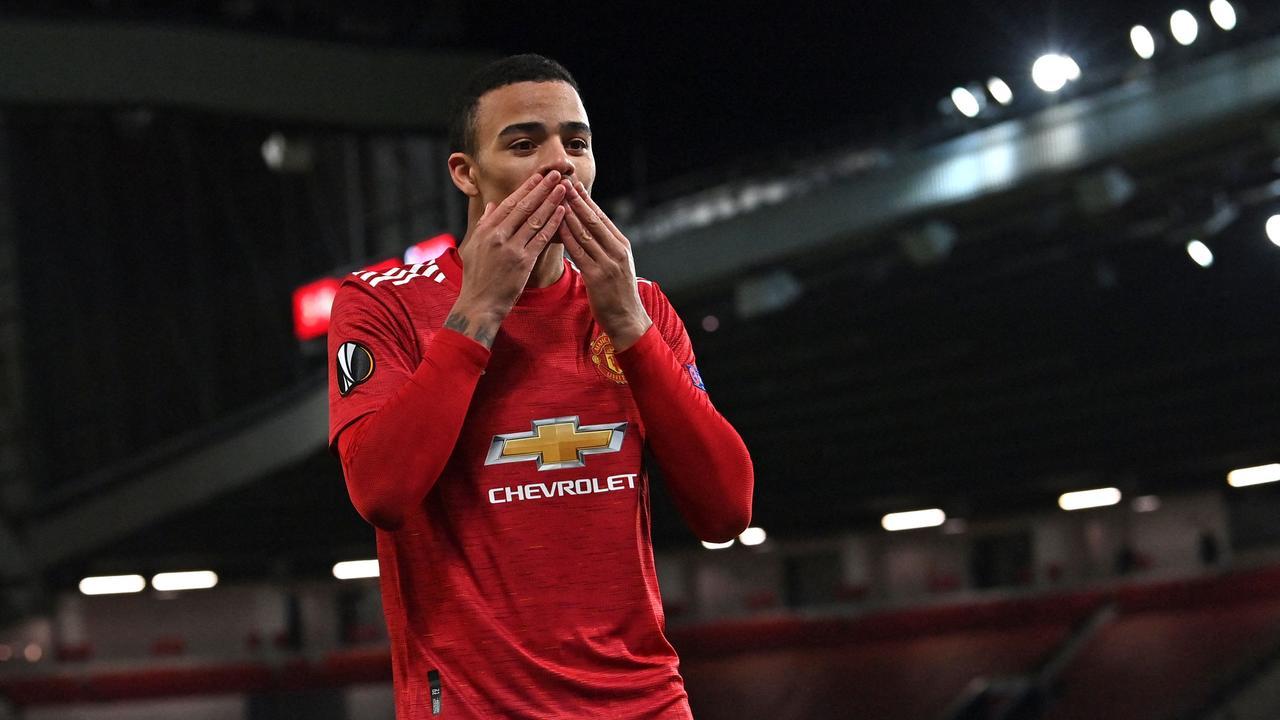 Manchester United crushed Roma 6-2.