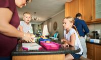 Why parents should pack kids' lunchboxes while homeschooling