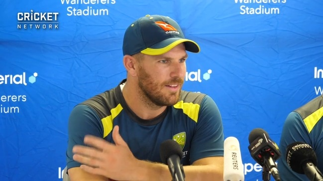 """Finch says banter from SA crowd gets Warner """"into the game"""""""