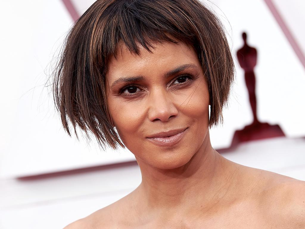LOS ANGELES, CALIFORNIA – APRIL 25: (EDITORIAL USE ONLY) In this handout photo provided by A.M.P.A.S., Halle Berry attends the 93rd Annual Academy Awards at Union Station on April 25, 2021 in Los Angeles, California. (Photo by Matt Petit/A.M.P.A.S. via Getty Images)
