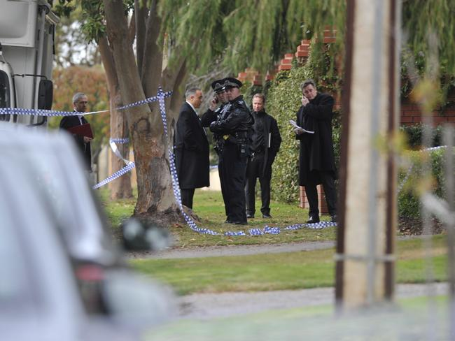 Police in Bungey Ave. Picture Campbell Brodie.