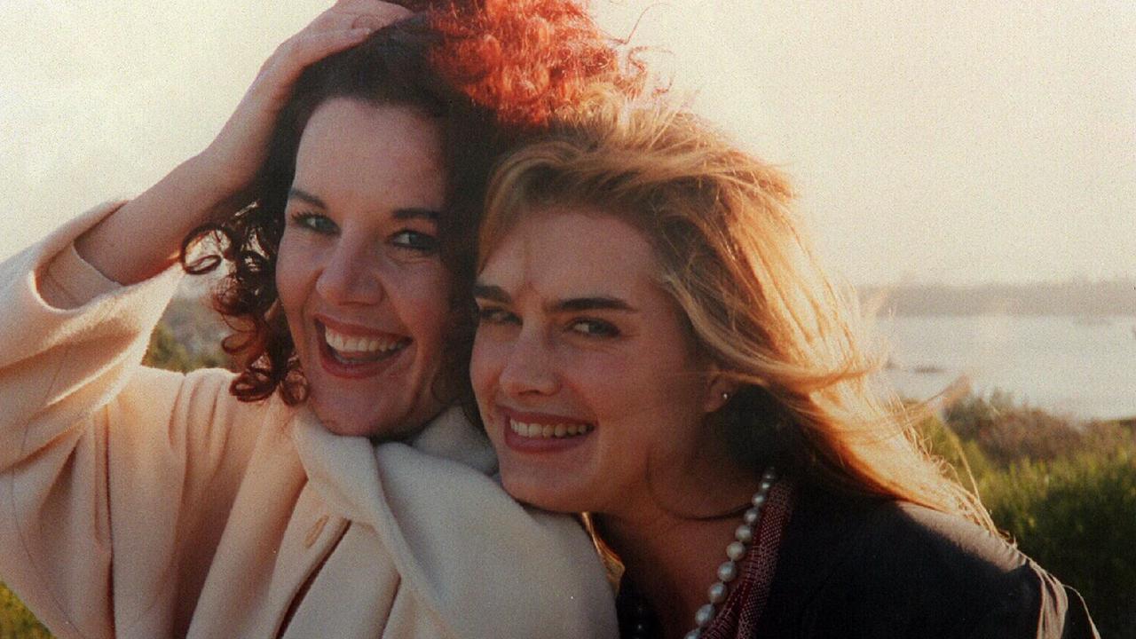 Rhonda Burchmore with American actress, Brooke Shields.