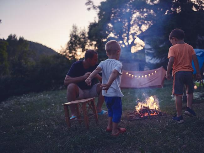 BEST FAMILY-FRIENDLY CAMP SITES NEAR PERTH If you're camping with the family, Waroona Dam is a popular place to camp. Those with little ones have the option of staying at the Holiday Park or camping in the bush located right near the dam. There are plenty of places to relax throughout the park to soak up the scenery, and great 4WD tracks to explore. Fires are permitted in season, and camping fees range from $12 to $17. Families after a great spot to holiday should also consider Beelu National Park, located 45 minutes from Perth. Those new to camping that still want the bush experience can stay at the Perth Hills Discovery Centre campground, complete with hot showers, flushing toilets and electric barbecues. Otherwise, there's the classic option with a stay in the national park, surrounded by beautiful forests, plenty of recreational sites and the largest living English oak trees in the state.  See also:  First-timers guide to a family camping holiday