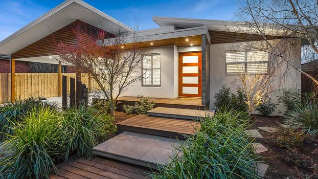 """<a href=""""https://www.realestate.com.au/sold/property-house-vic-highett-128789202"""" title=""""www.realestate.com.au"""">32 Miller St</a>, Highett in sold for $2.041 million during the winter lull this season."""