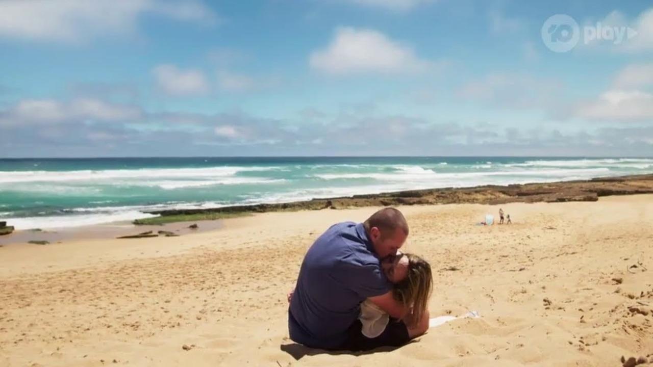 Sonya died in Toadie's arms on a beach.