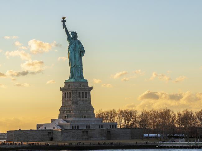 ORIGINAL: STATUE OF LIBERTY, NEW YORK