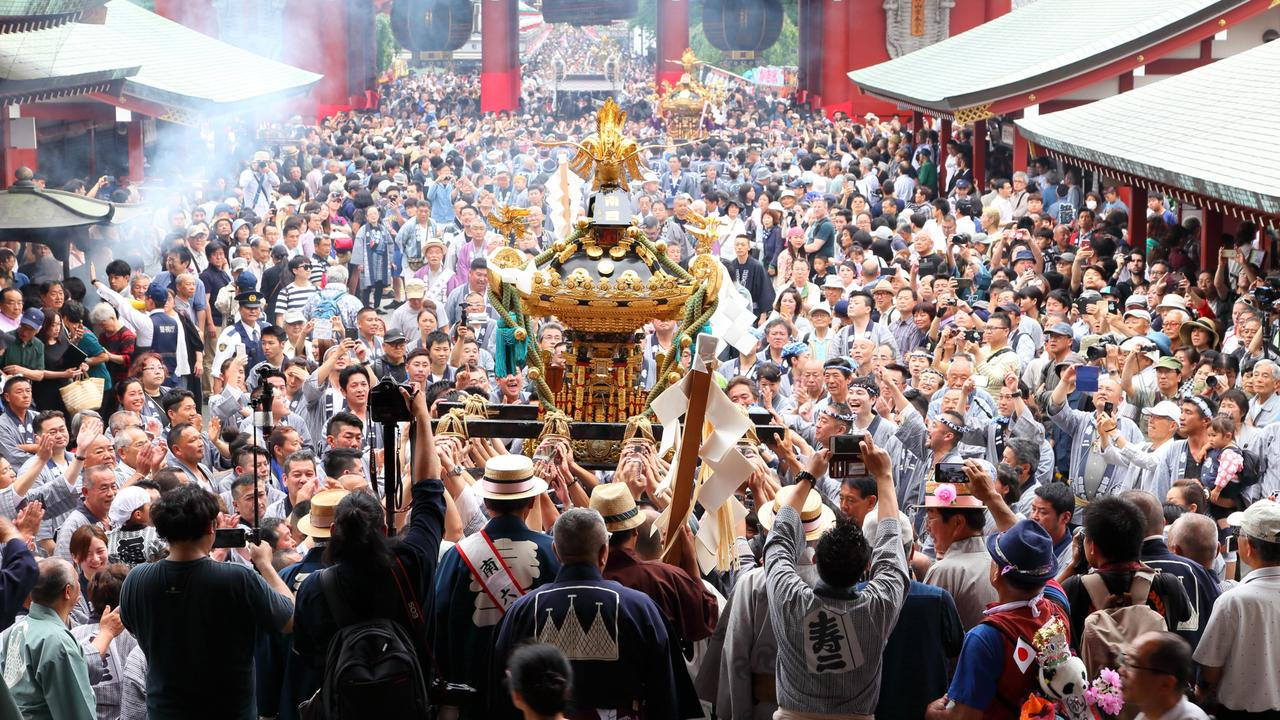 Sanja Matsuri is one of the three great Shinto festivals in the Asakusa district of Tokyo.