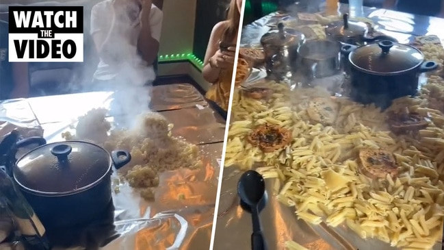 Foodies slam woman's pasta grazing table