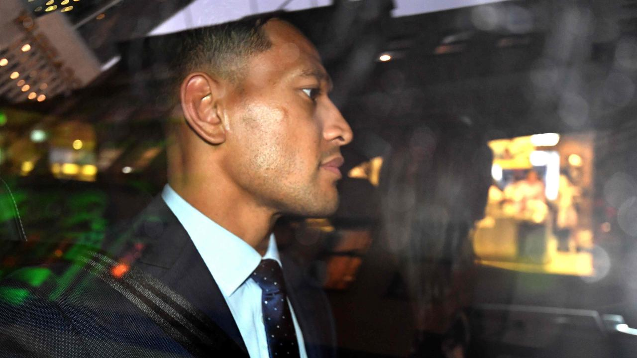 'Buckles to the haters': Fierce reaction after GoFundMe shuts down Israel Folau's page