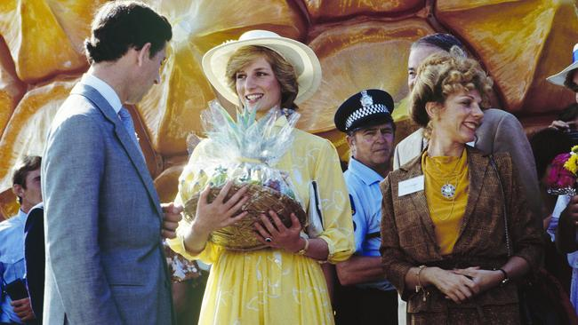 Presents and correct ... Princess Diana and Prince Charles with gifts at the Big Pineapple