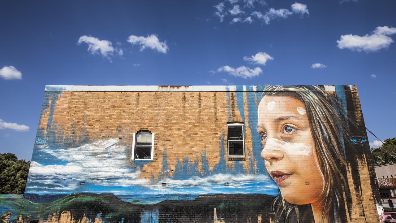 Streetscapes, Katoomba Mandatory credit: Destination NSW Description: Street art adorning buildings in Katoomba