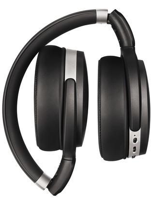 The noise-cancelling set are collapsible.