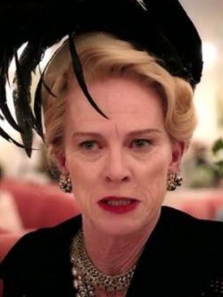 Judy Davis as Hedda Hopper in Feud.  Picture:  Fx