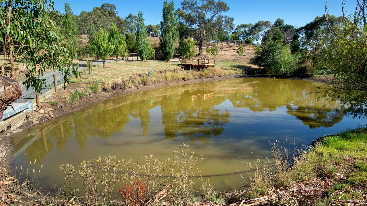 The 4ha country property has scenic views.