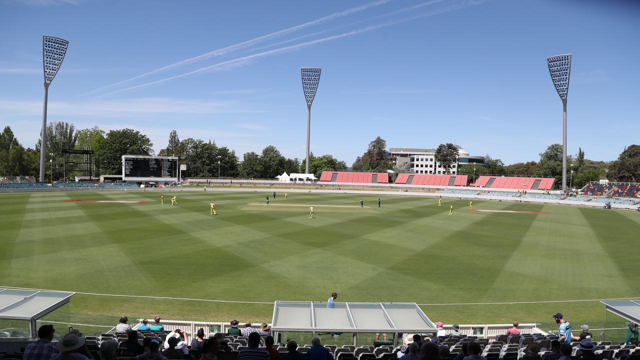 Australia and Sri Lanka shouldn't expect a flat track for the inaugural Canberra Test at Manuka Oval, starting on Friday.
