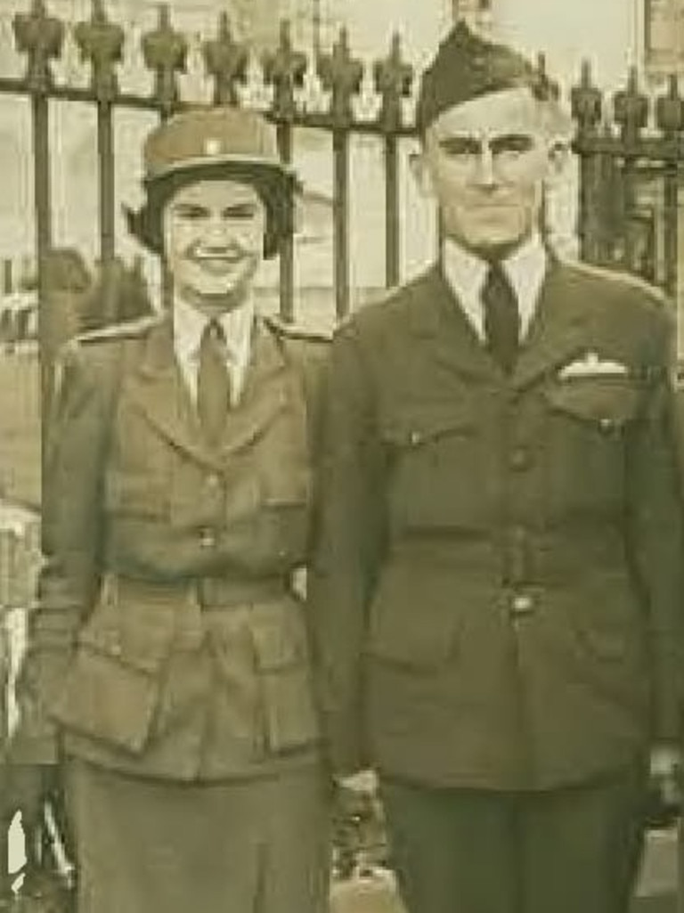 Brian and Maisie Southwell in their military uniform from World War II.