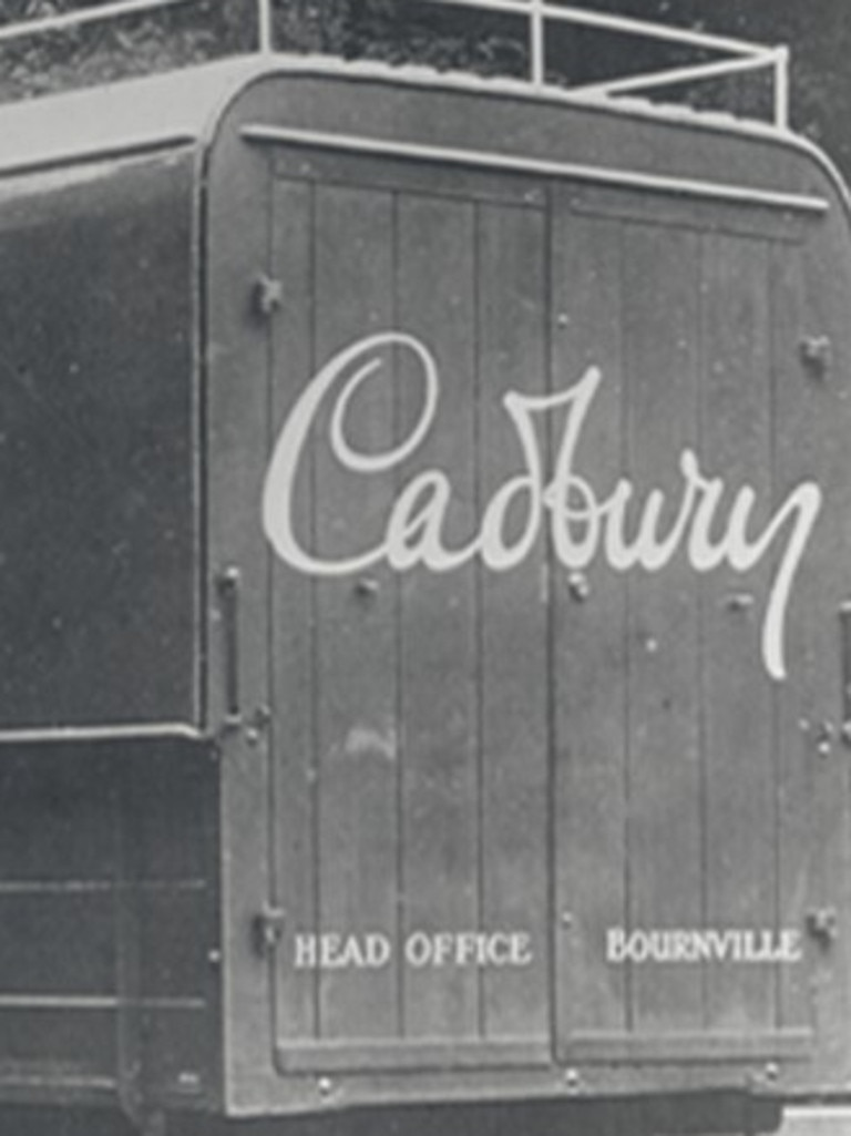 An early version of the famous signature, close in style to the new logo, appeared on trucks in the 1920s.