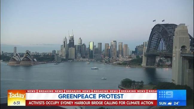 Activists on Sydney Habour Bridge (9 News)