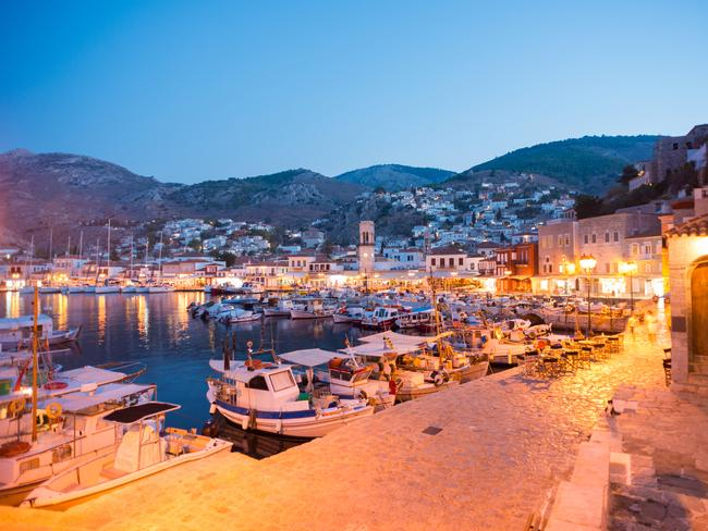 HYDRA Hydra is a stunning little island that has replaced motor vehicles with donkeys, horses and water taxis. Exquisite stone mansions over hundreds of years old, elegant monasteries and sweepings of bougainvillea make this romantic destination a go-to spot for couples.