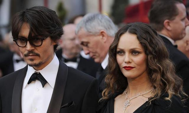 """""""He has never been physically abusive!"""" - Johnny Depp's long-term ex speaks out"""