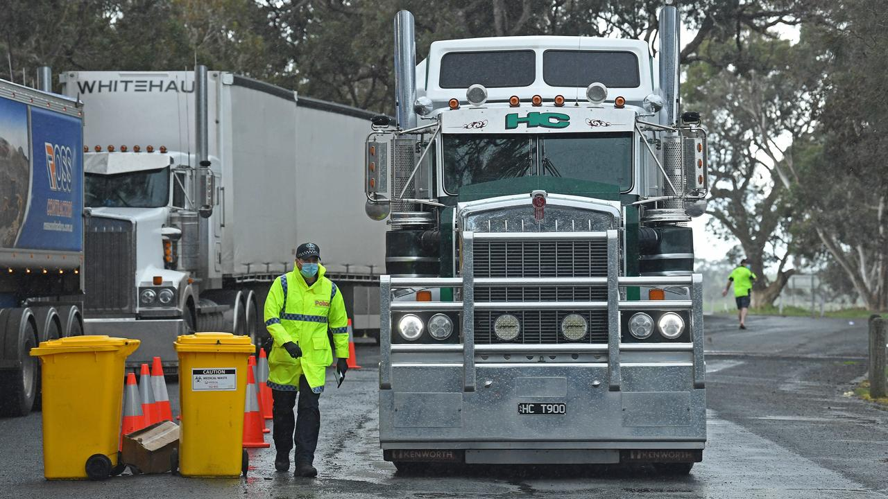 Police stopping trucks at the Victorian border near Bordertown. Picture: Tom Huntley