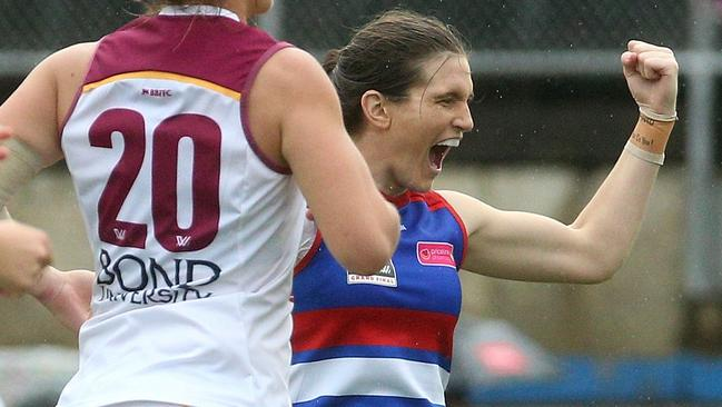 The Western Bulldogs are 2018 AFLW premiers. (AAP Image/Hamish Blair)