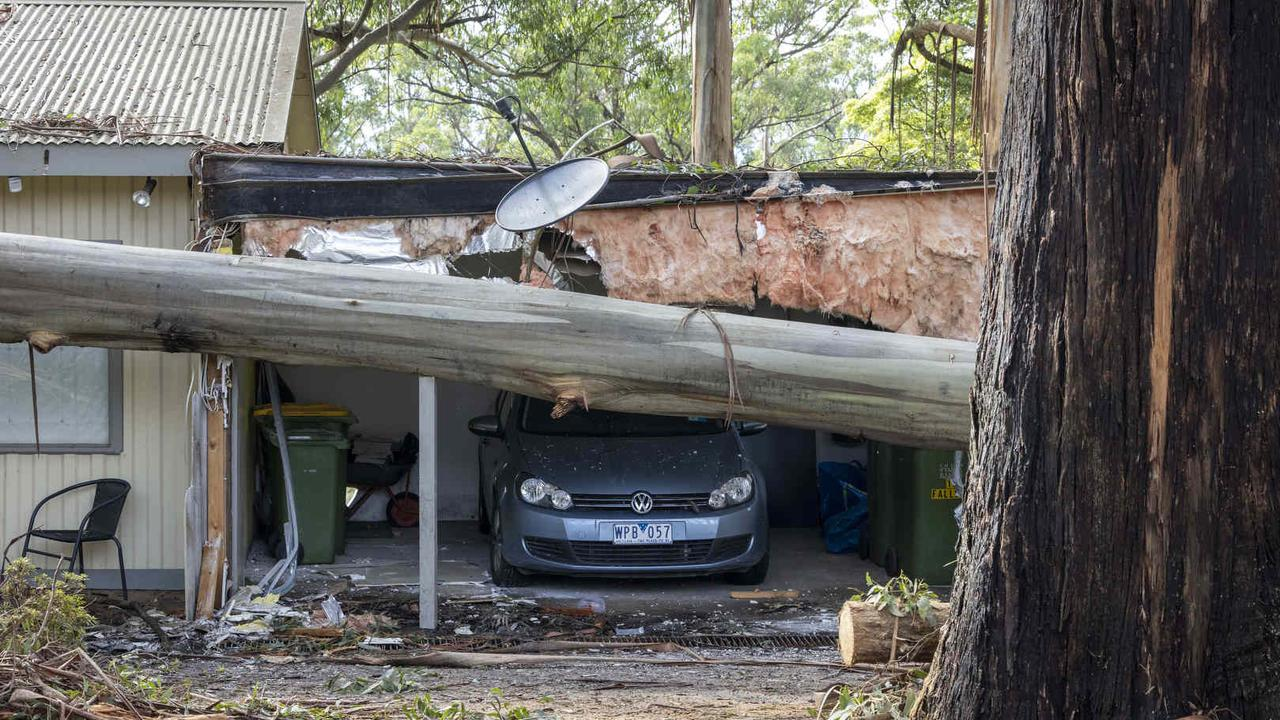Storm-affected residents in Kalorama have now been hit by a water warning. Picture: NCA NewsWire/Wayne Taylor