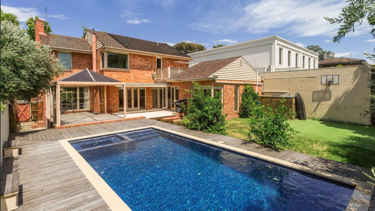 19 Chesterfield Ave's 607sq m block features a pool.