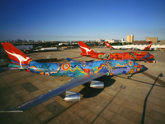 7. In 1989 Qantas flew a world first non-stop commercial flight from London to Sydney in 20 hours and nine minutes. That thirty-one-year record was only broken in 2019 when the airline operated a 787 Dreamliner London-Sydney direct flight in 19 hours and 19 minutes.