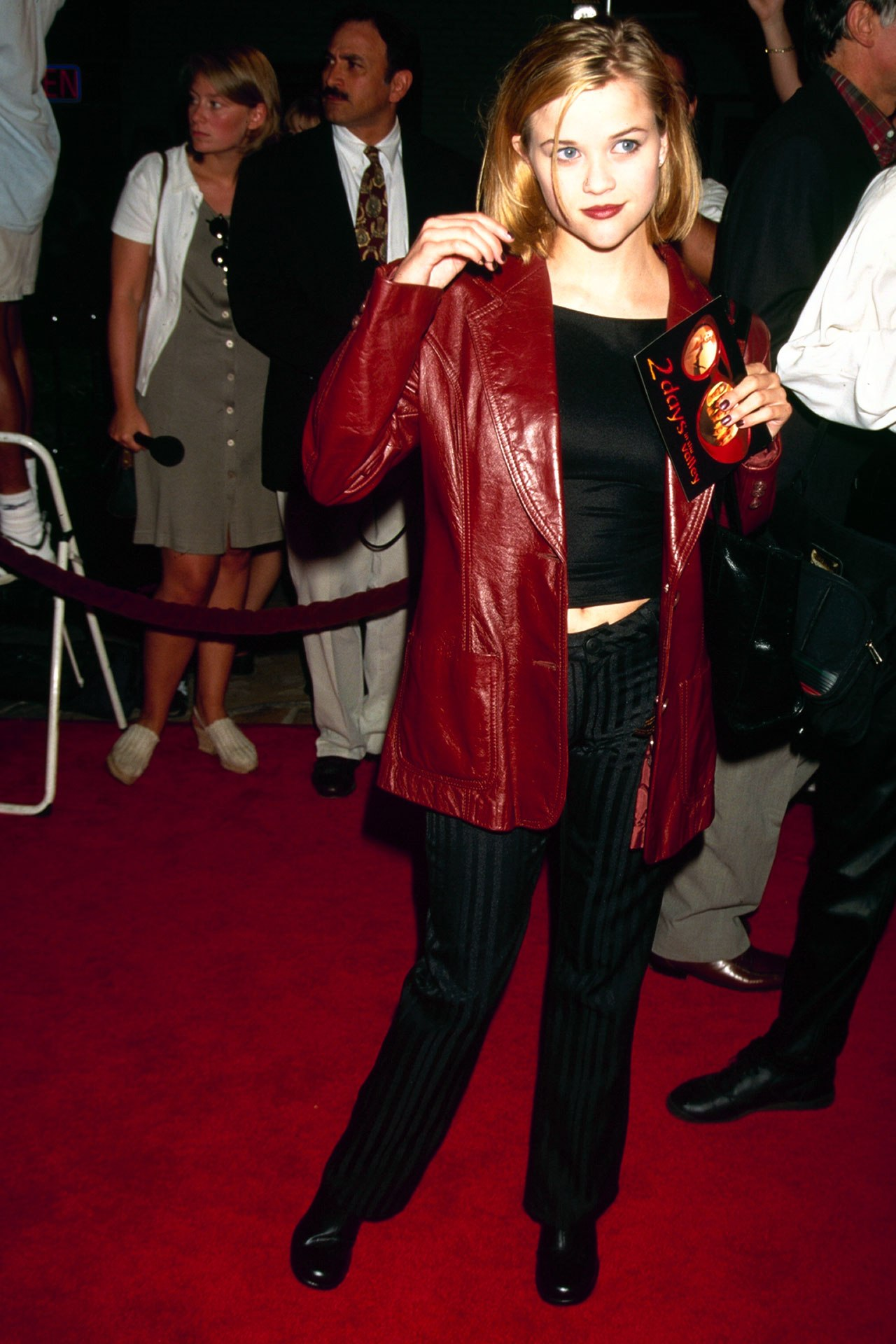 20 of the most iconic red carpet moments from the 1990s