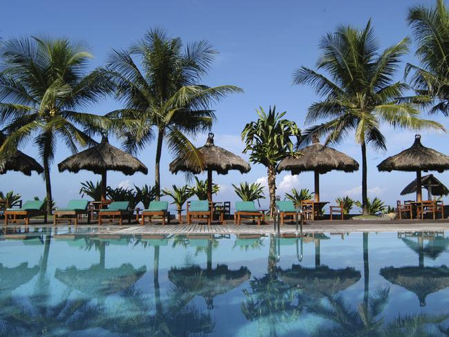 Want to lie by the pool in Bali? You'll need to book 19 weeks in advance for the best airfares.