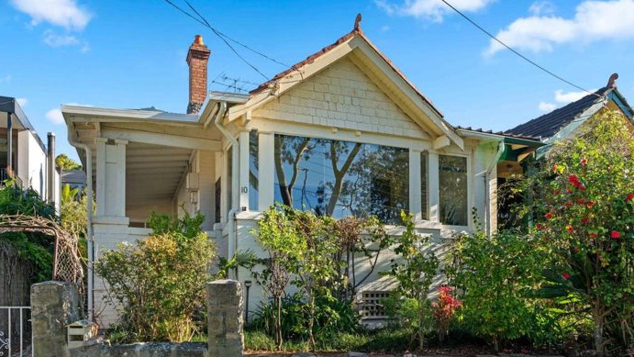 Within 24 hours of his big sale, the agent, PPD principal Alexander Phillips paid $2m over reserve for this Vaucluse semi.