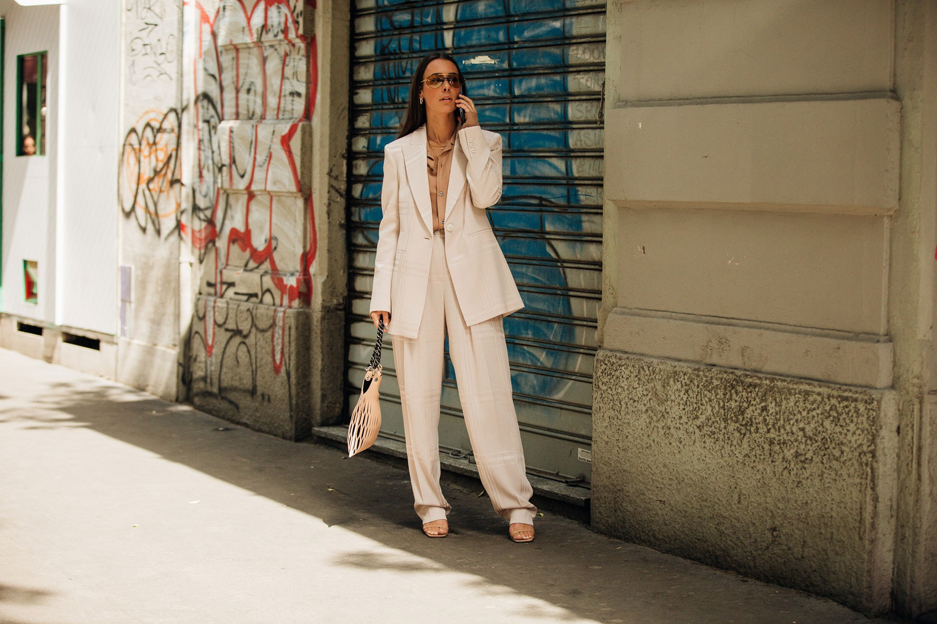 5 modern power suits for the new season