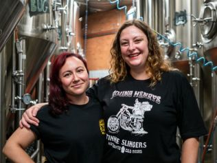 Brewers Michelle Hanrahan and Carla Daunton. Image: Young Henry's
