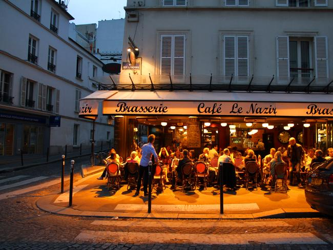 YOU WILL BE DINING LATE Parisians tend to eat dinner a lot later than us. Dinner services rarely start before 8pm, so avoid rocking up before then. If you don't want to wait, you can always find a cafe open.