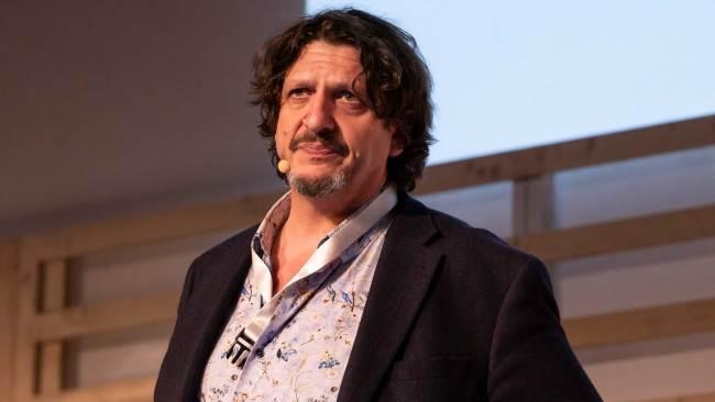 12/22  For the foodie  British bon vivant Jay Rayner's Out To Lunch delightfully skewers the fuss and frippery that can accompany good food and points in the direction humble pleasures and immeasurable satisfactions. Via Apple Podcasts