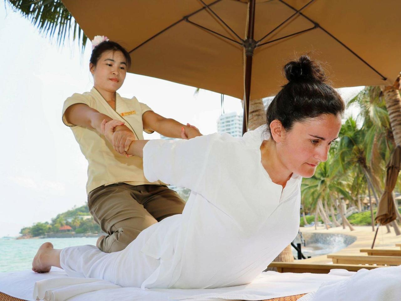 Supplied Travel MERC WELLNESS Thai massage at Royal Wing Suites & Spa i Pattaya, Thailand