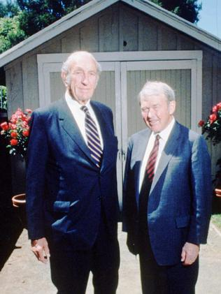 1989 file photo of David Packard (L) & Bill Hewlett (R) posing in front of famous garage in Palo Alto, California, where they founded Hewlett Packard Company.                         F/L