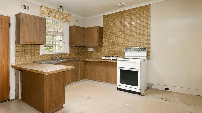 The kitchen of the home at 422 Nepean Highway.