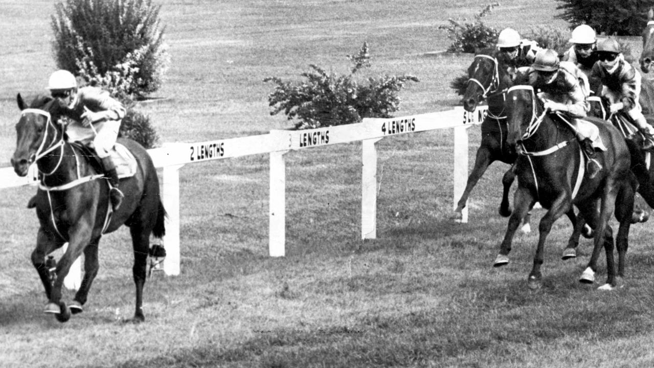 Racehorse Toy Show shows her rivals a clean pair of heels, as she wins the 1975 Golden Slipper at Rosehill Gardens Racecourse in Sydney 15/03/1975.