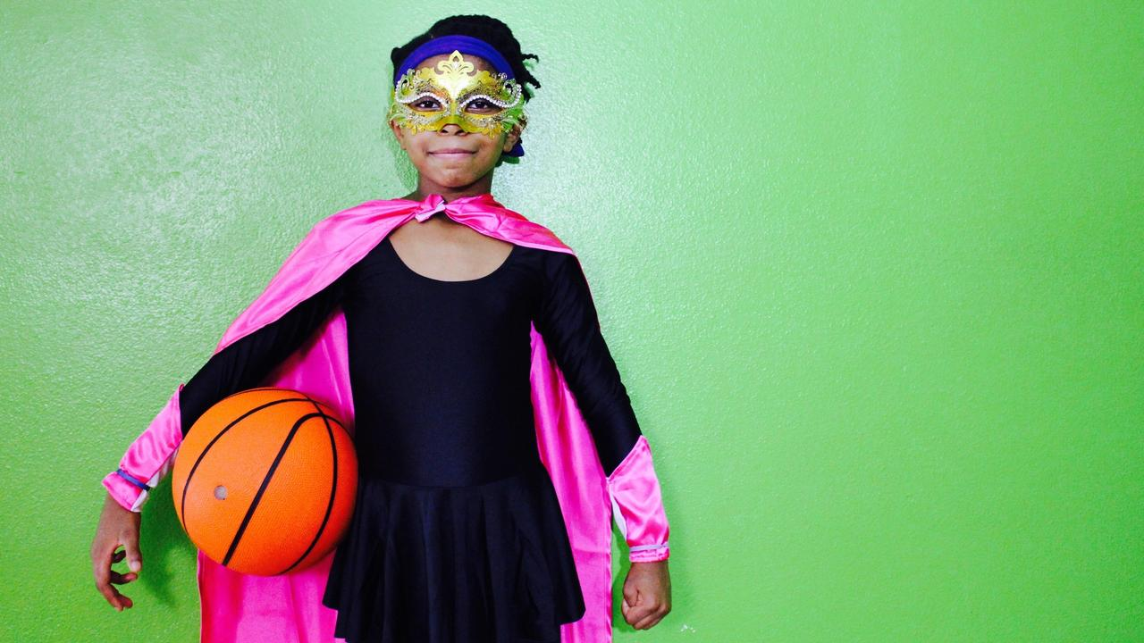Guinness World Records 2022 - Zaila Avant-garde - Most bounce juggles in on minute, most bounces in 30 seconds and most basketballs dribbled at once