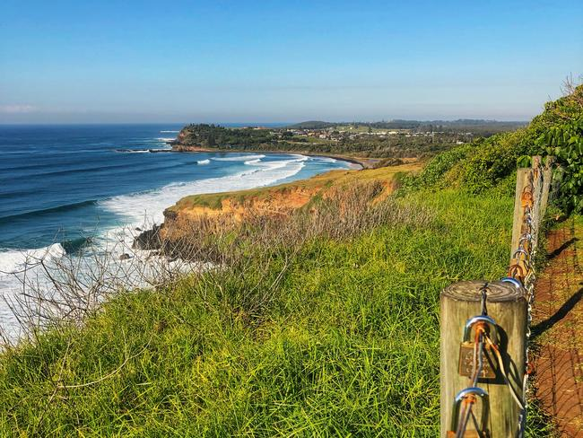 8. BALLINA TO LENNOX HEADS WALK, NSW A favourite walk for many locals, this breathtaking 13-kilometre coastal walk starts at Sharpes Beach and follows the hilly coastline to the Pat Morton Lookout at Lennox Head. Pack a picnic lunch to enjoy on the cliff tops and take in the scenery.