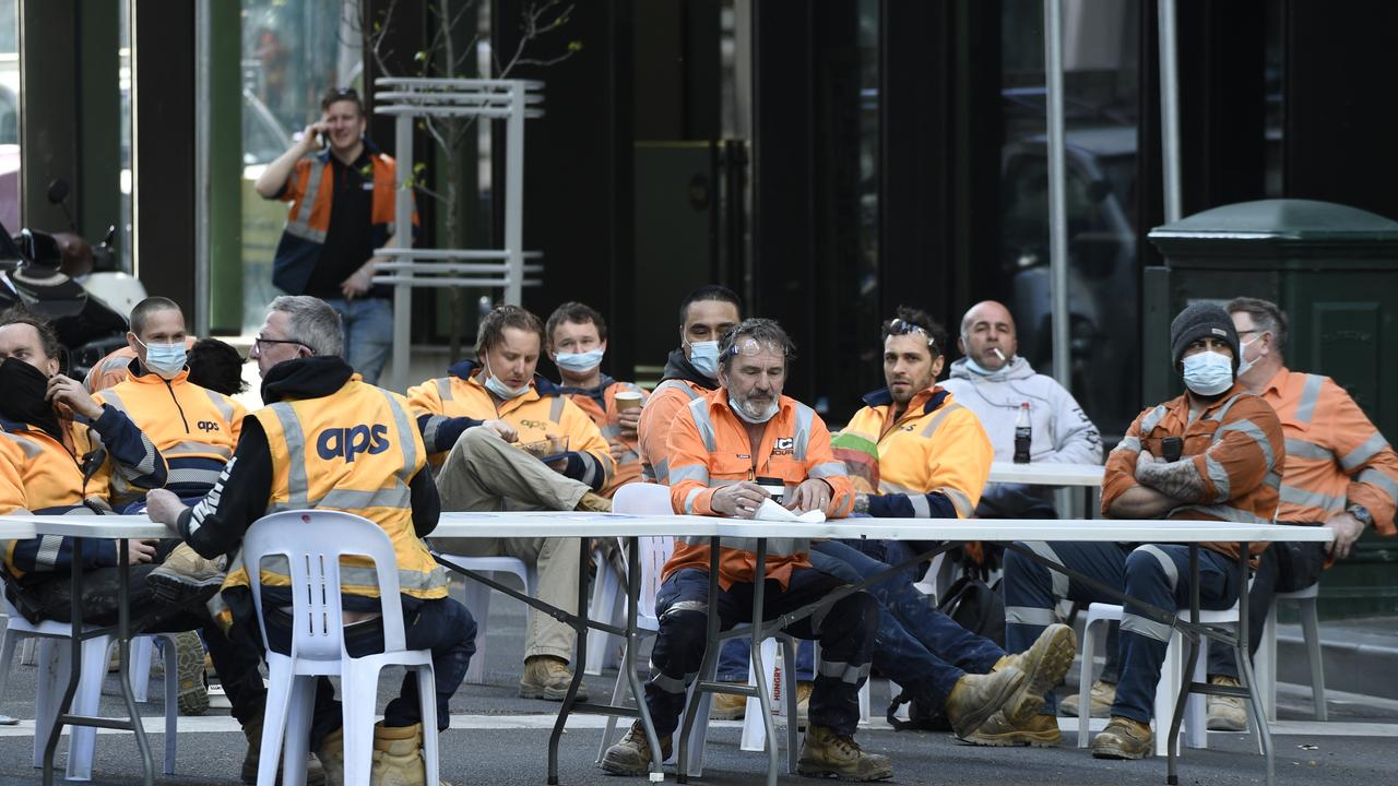 Construction workers set up an outdoor break room in central Melbourne last week. Picture: NCA NewsWire / Andrew Henshaw.